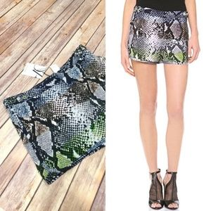 ⭐️DVF Tiffany Multicolor Python Print Jogger Short